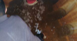 وضع الكلور في خزان الماء